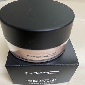 MAC Silver dusk iridescent powder NEW